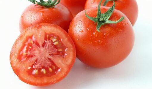 トマトがぶよぶよになる原因は?生で食べても大丈夫?